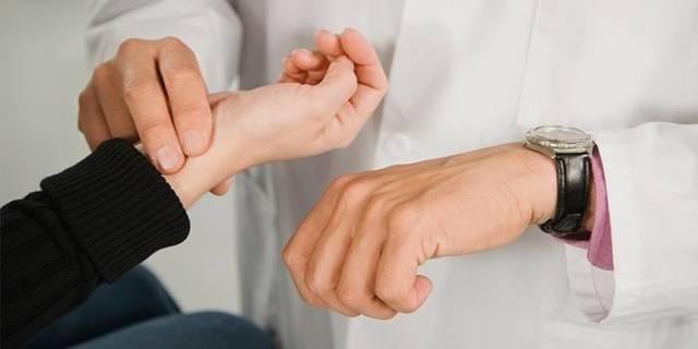 Что делать при учащении пульса от 180 до 200 ударов в минуту